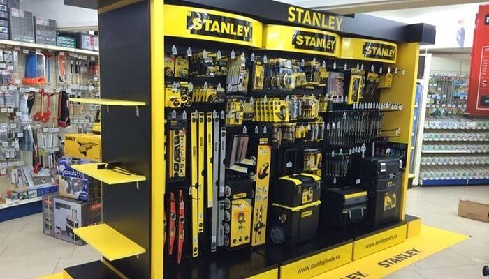 Mobiliario retail para Stanley