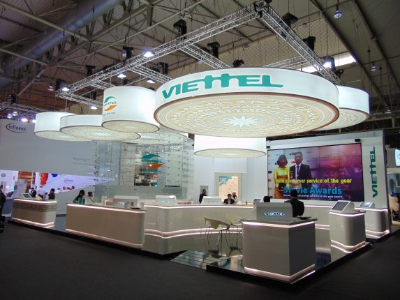 diseño stand MWC angle exhibits