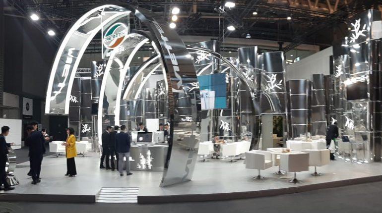 construcción y montaje ANGLE exhibits