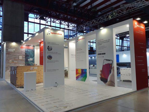 c!print stand Madrid Angle Exhibits