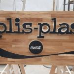 trabajos retail Angle exhibits