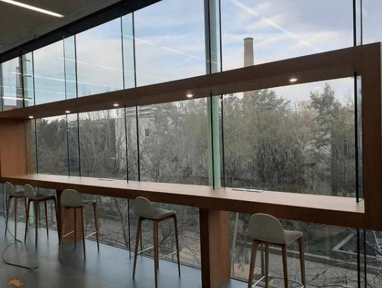 escritorio personalizado angle exhibits
